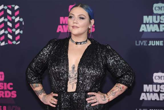 "<div class=""meta image-caption""><div class=""origin-logo origin-image none""><span>none</span></div><span class=""caption-text"">Elle King arrives at the CMT Music Awards at the Bridgestone Arena on Wednesday, June 8, 2016, in Nashville, Tenn. (Sanford Myers/Invision/AP)</span></div>"