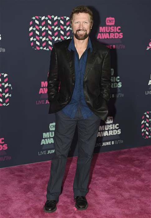 "<div class=""meta image-caption""><div class=""origin-logo origin-image none""><span>none</span></div><span class=""caption-text"">Craig Morgan arrives at the CMT Music Awards at the Bridgestone Arena on Wednesday, June 8, 2016, in Nashville, Tenn. (Sanford Myers/Invision/AP)</span></div>"