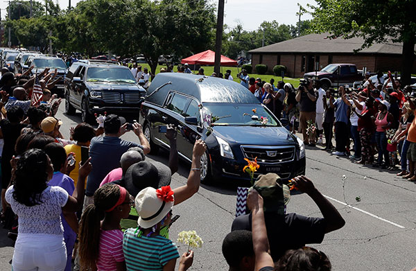 <div class='meta'><div class='origin-logo' data-origin='none'></div><span class='caption-text' data-credit='Michael Conroy/AP Photo'>The funeral procession for Muhammad Ali makes its way down Muhammad Ali Boulevard in Louisville, Ky. Friday, June 10, 2016.</span></div>