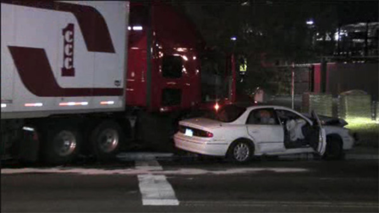 Tractor-trailer and car collide in Port Richmond