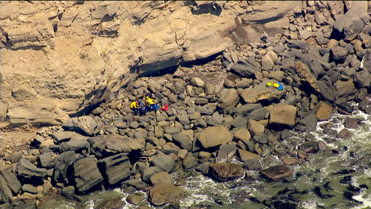 The body of a man around 50 years old was found at the base of a cliff in San Pedro on Friday, June 17, 2016.