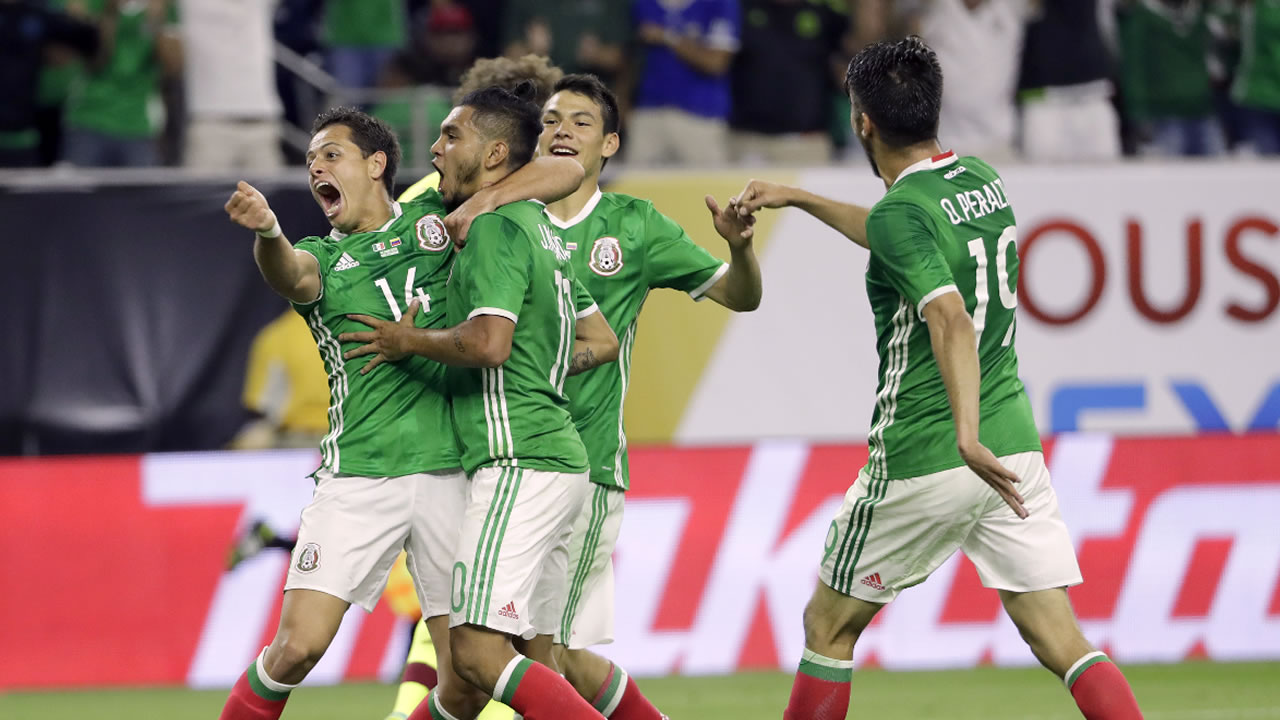 Mexico forward Jesus Manuel Corona celebrates his goal against Venezuela during a Copa America Centenario group C soccer match Monday, June 13, 2016, in Houston.