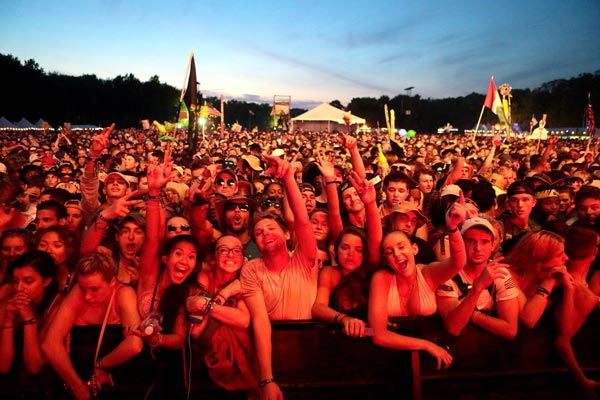 "<div class=""meta image-caption""><div class=""origin-logo origin-image ap""><span>AP</span></div><span class=""caption-text"">People attend Day 3 of the 2016 Firefly Music Festival at The Woodlands on Saturday, June 18, 2016, in Dover, Del. (Photo by Owen Sweeney/Invision/AP)</span></div>"