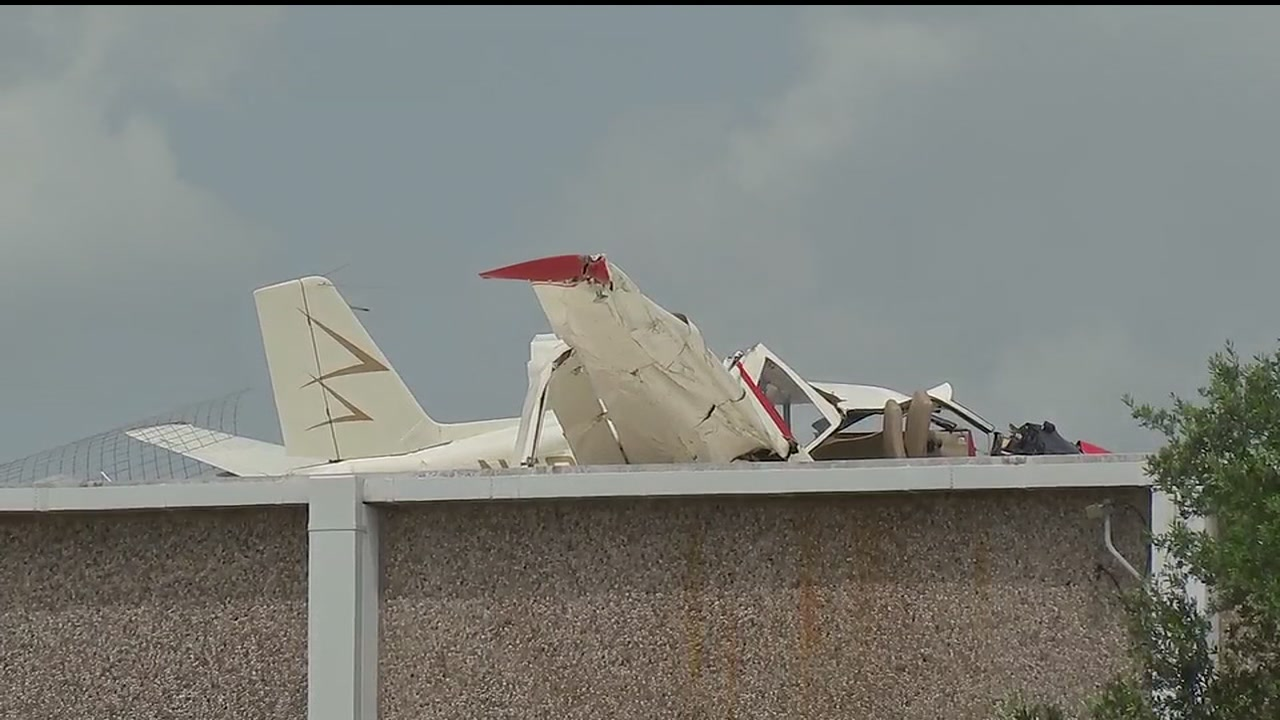 Small plane lands on warehouse in central Houston | abc13.com on airbus crash investigation, plane home, aircraft crash investigation, plane crashes on property, air force crash investigation, air plane investigation, helicopter crash investigation, plane patent, bus accident investigation, police crash investigation, fire investigation, truck accident investigation,