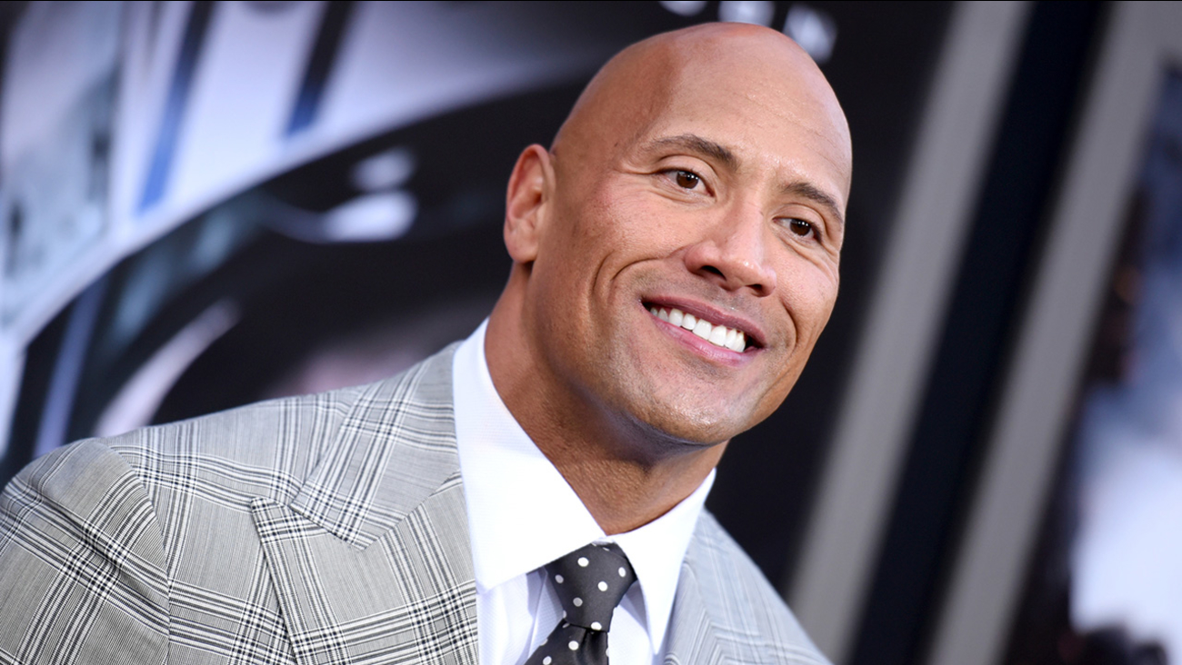 """Dwayne Johnson arrives at the premiere of """"San Andreas"""" at the TCL Chinese Theatre."""