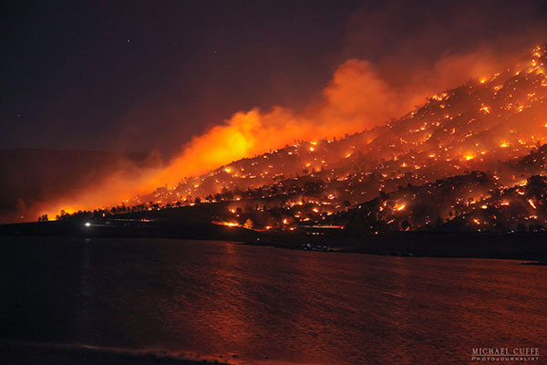 "<div class=""meta image-caption""><div class=""origin-logo origin-image kabc""><span>KABC</span></div><span class=""caption-text"">The Erskine Fire burns a hillside in the Kern River Valley. (Michael Cuffe/@mikecuffe)</span></div>"