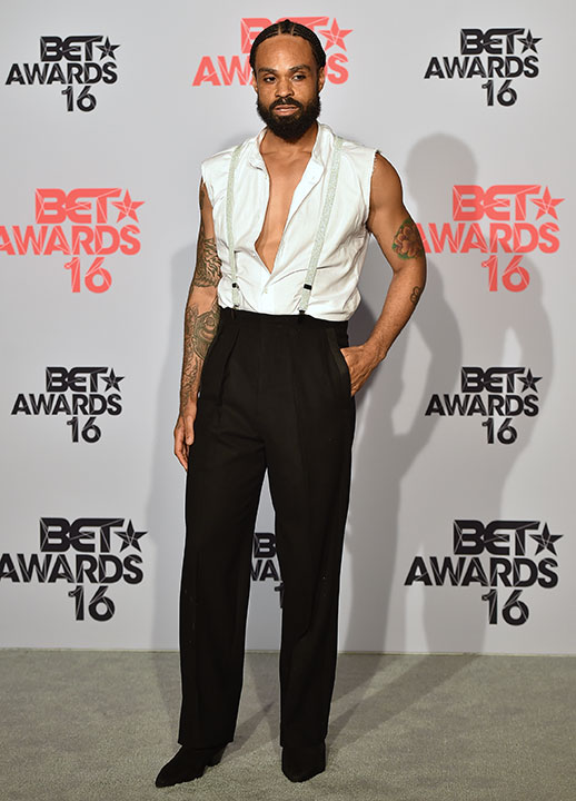 """<div class=""""meta image-caption""""><div class=""""origin-logo origin-image none""""><span>none</span></div><span class=""""caption-text"""">Bilal poses at the BET Awards on Sunday in Los Angeles. (Jordan Strauss/Invision/AP)</span></div>"""