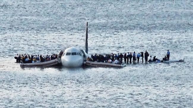 Kết quả hình ảnh cho plane landed in the water