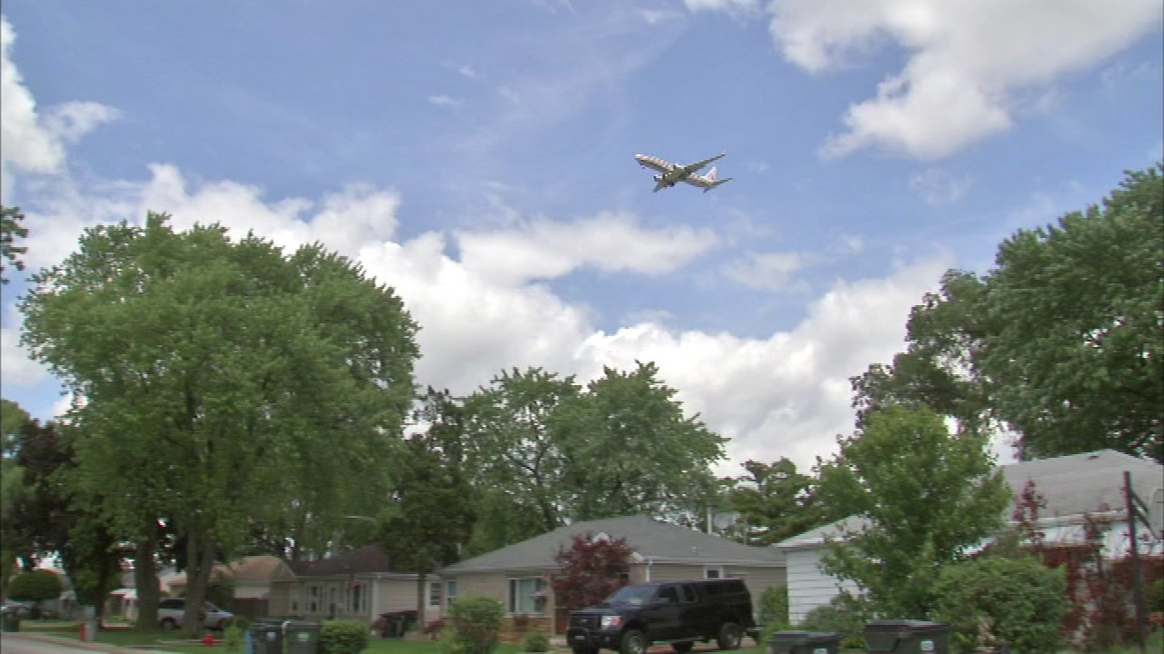 """""""Fly Quiet"""" program to reduce noise around O'Hare to begin"""
