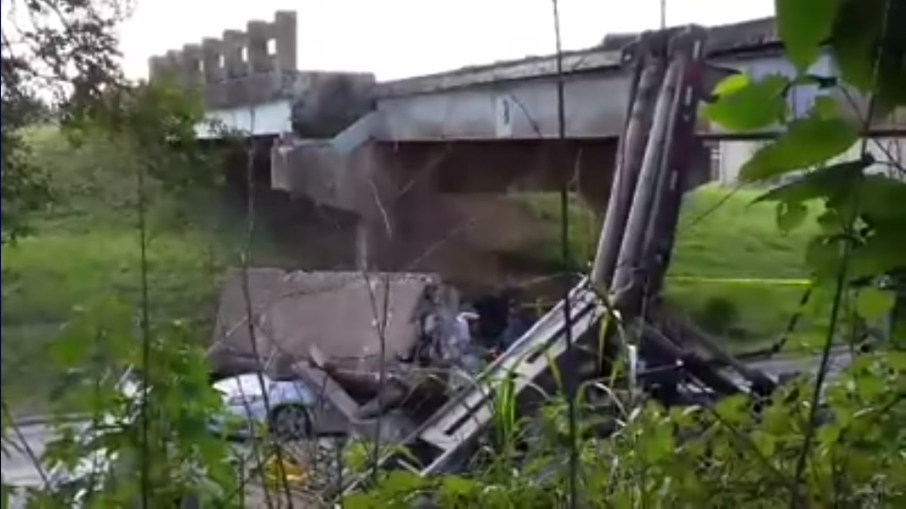 Viewer video of the bridge collapse