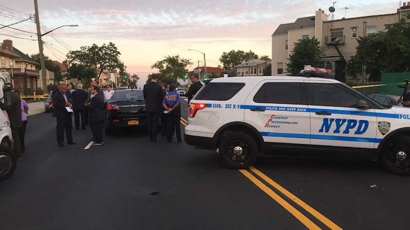 Bensonhurst Car Service >> One Suspect Dead Another On The Run In Brooklyn Home Invasion