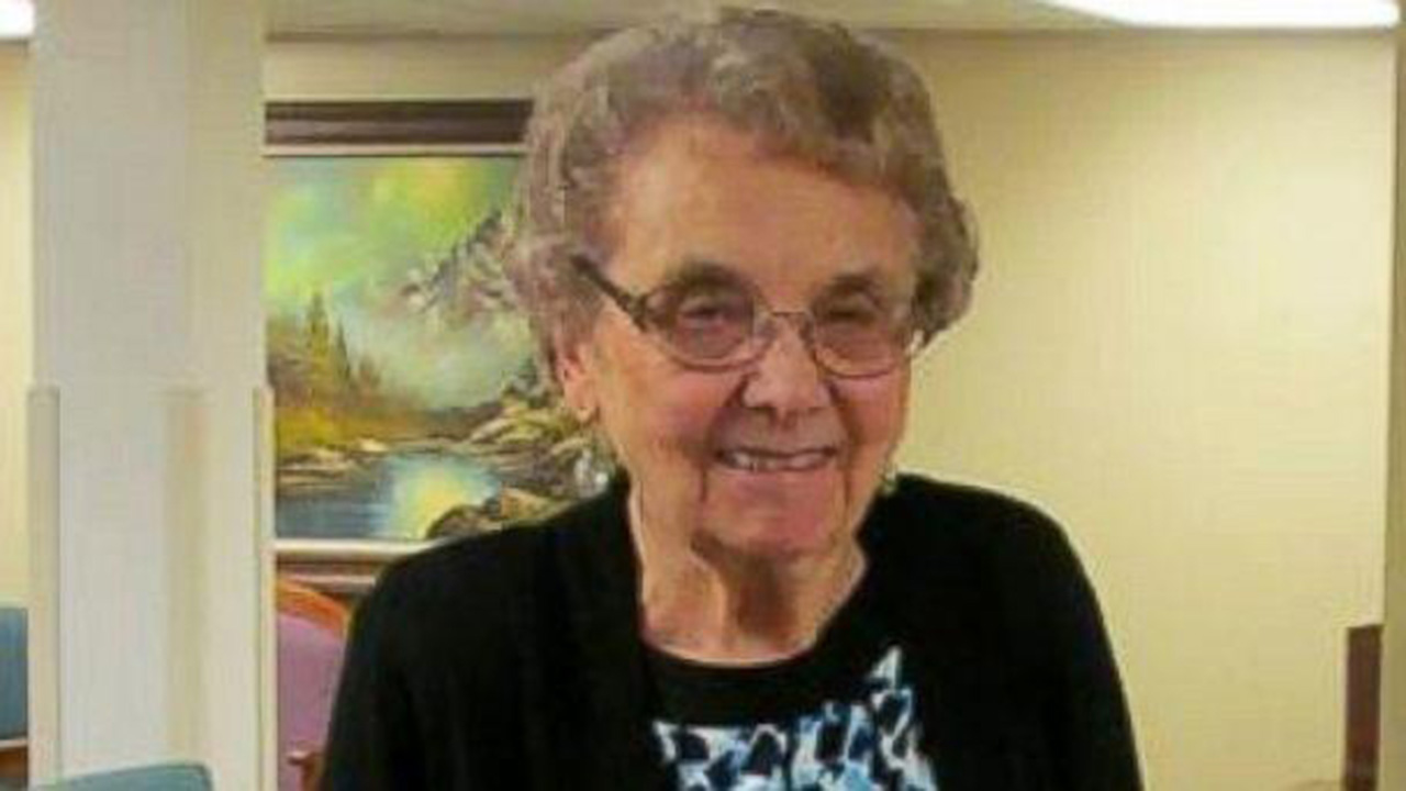 93-Year-Old Nurse Retires After 72 Years on the Job