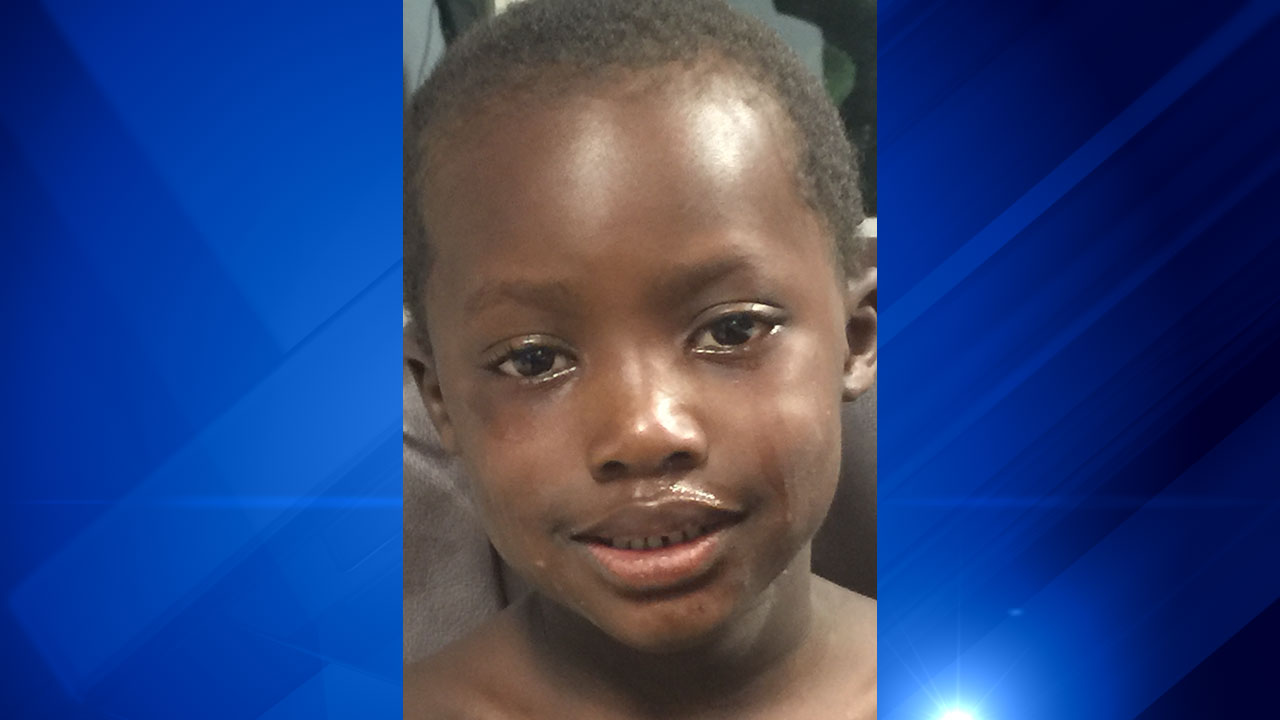Boy found at Yorkville water park, police search for family