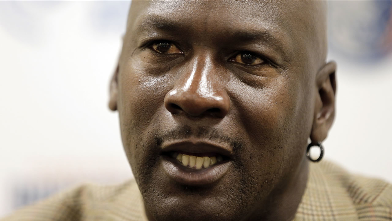 Michael Jordan (AP Photo/Chuck Burton)