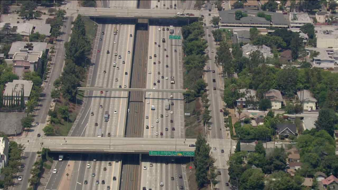 A view from Air7HD of the 210 Freeway in Pasadena.