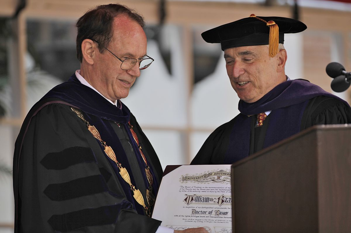 "<div class=""meta image-caption""><div class=""origin-logo origin-image ap""><span>AP</span></div><span class=""caption-text"">USC President, Steven Sample, left, presents an honorary degree in law to former LA Police Department Chief, William Bratton, at the University of Southern California May 14, 2010. (AP Photo/Damian Dovarganes)</span></div>"