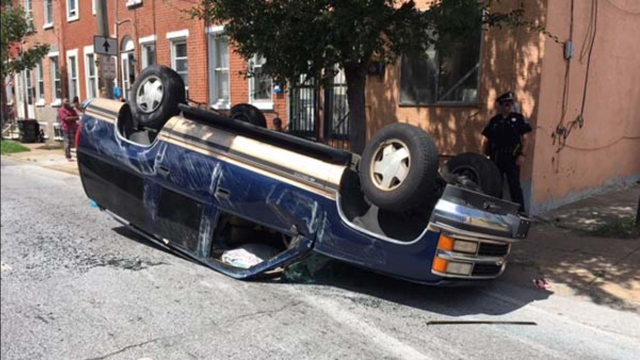 1 hurt in rollover crash in Wilmington, Del.