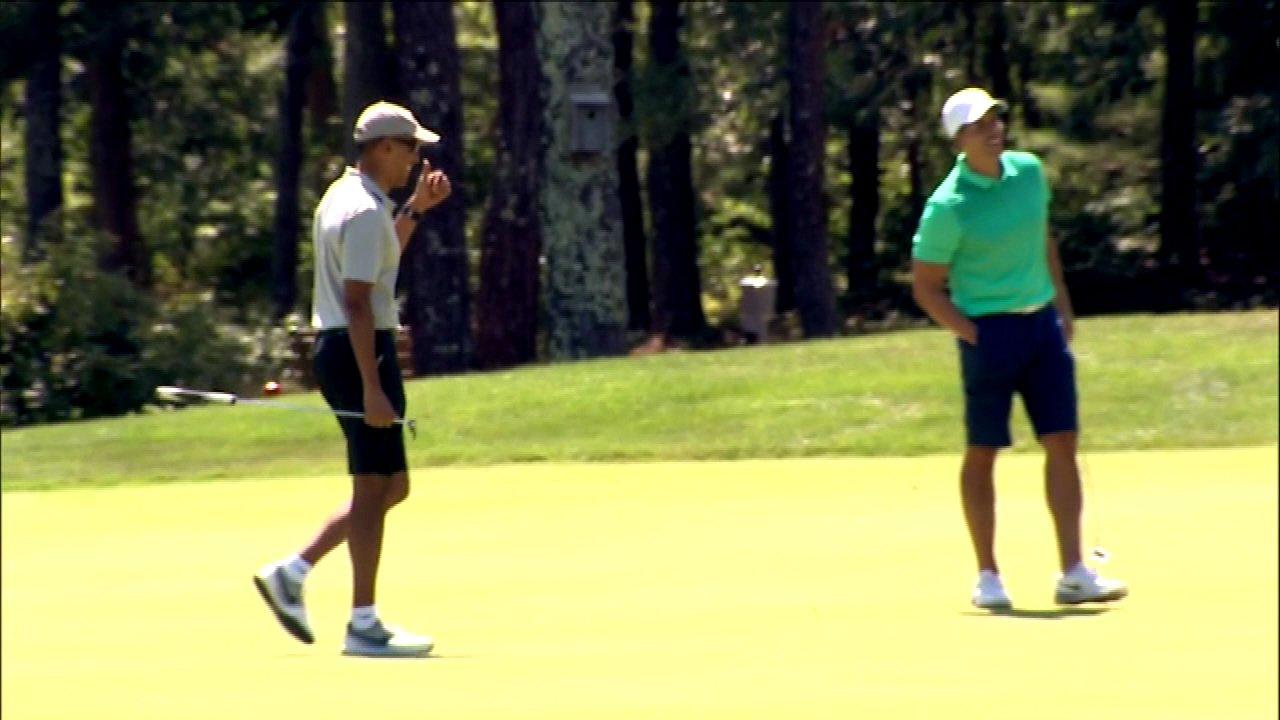 Obama family kicks off summer vacation on Martha's Vineyard