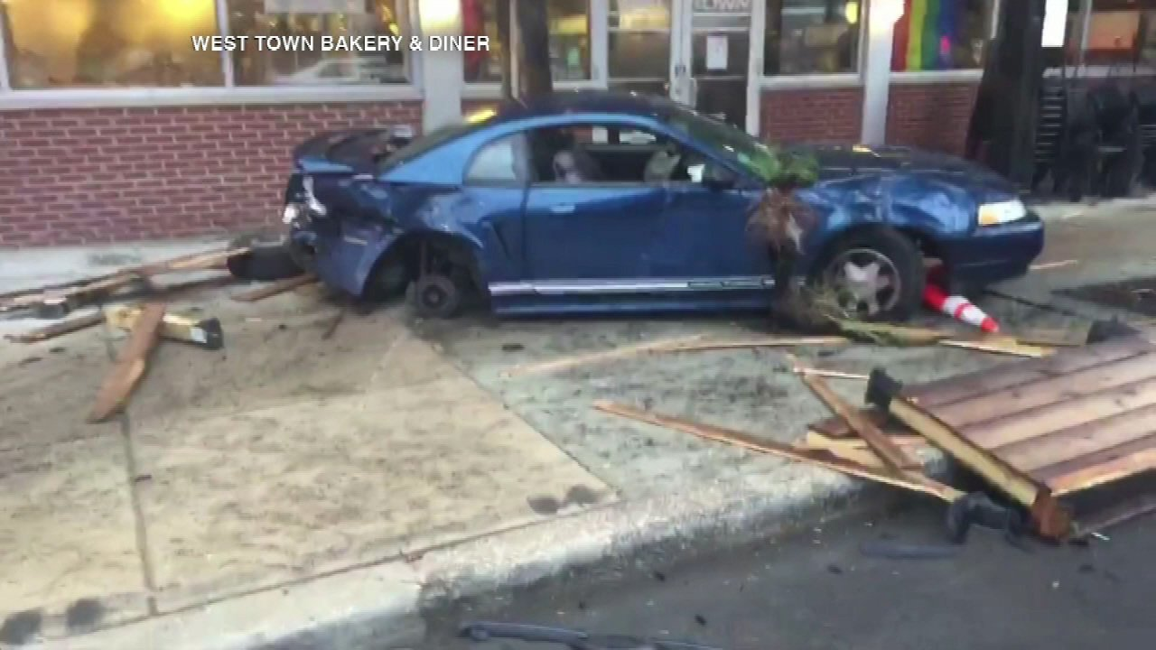 Car crashes into West Town Bakery & Diner in Ukrainian Village