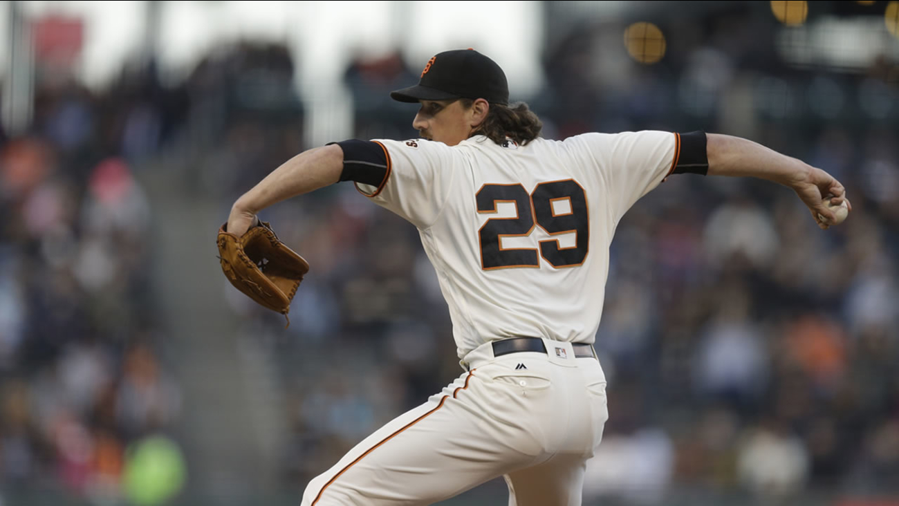 San Francisco Giants pitcher Jeff Samardzija works against the Pittsburgh Pirates in the first inning of a baseball game Tuesday, Aug. 16, 2016, in San Francisco.