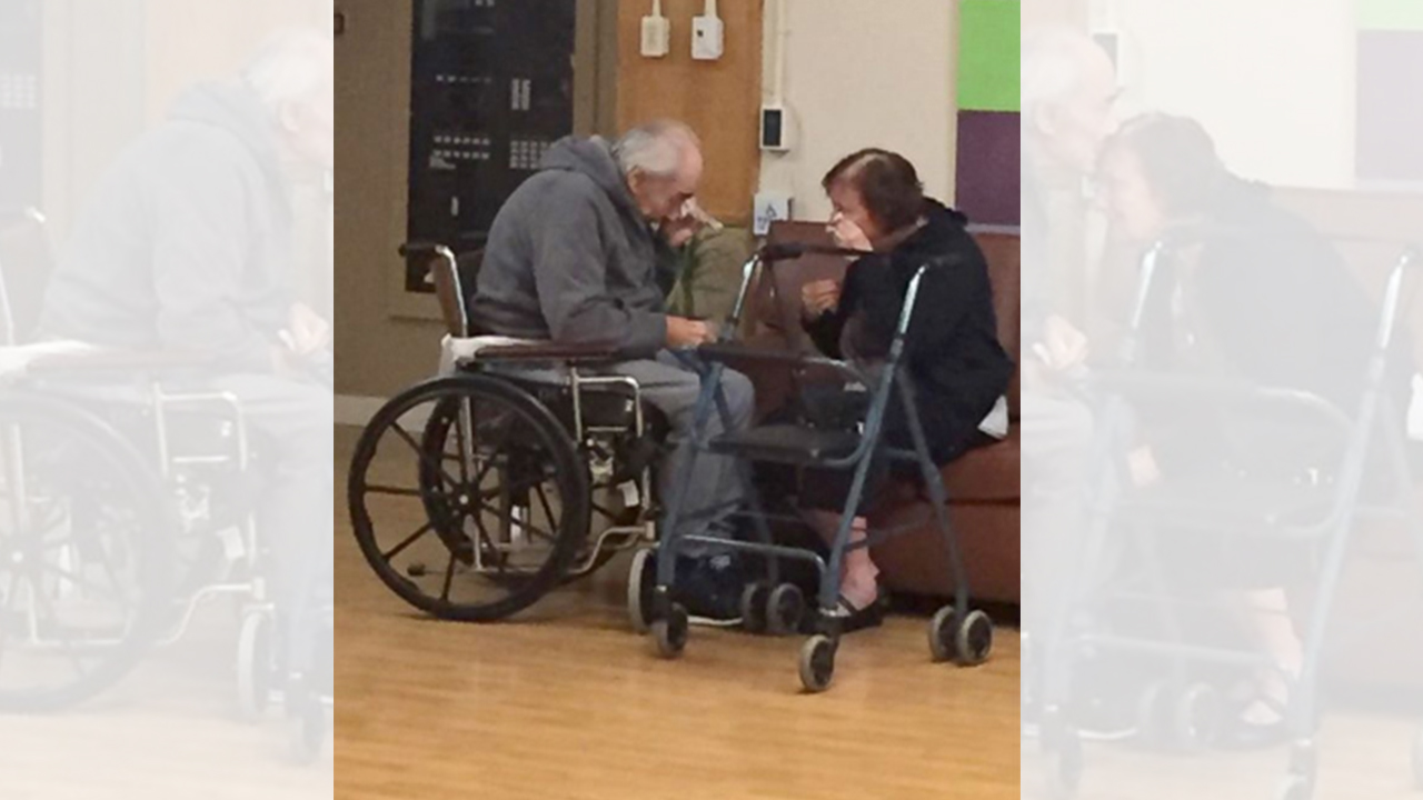 Heartbreaking story behind elderly couple crying image