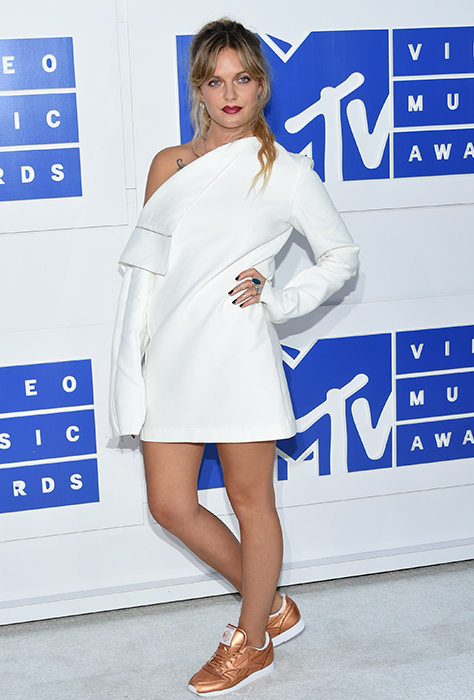 "<div class=""meta image-caption""><div class=""origin-logo origin-image ap""><span>AP</span></div><span class=""caption-text"">Tove Lo arrives at the MTV Video Music Awards at Madison Square Garden on Sunday, Aug. 28, 2016, in New York. (Evan Agostini/Invision/AP)</span></div>"