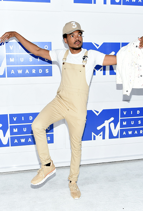 "<div class=""meta image-caption""><div class=""origin-logo origin-image ap""><span>AP</span></div><span class=""caption-text"">Chance the Rapper arrives at the MTV Video Music Awards at Madison Square Garden on Sunday, Aug. 28, 2016, in New York. (Evan Agostini/Invision/AP)</span></div>"