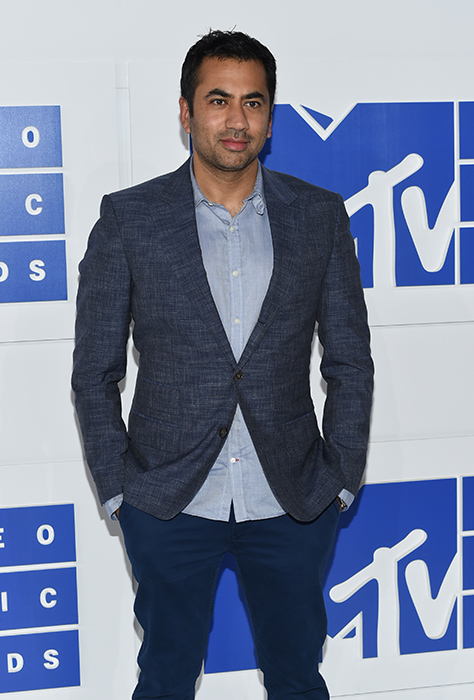 "<div class=""meta image-caption""><div class=""origin-logo origin-image ap""><span>AP</span></div><span class=""caption-text"">Kal Penn arrives at the MTV Video Music Awards at Madison Square Garden on Sunday, Aug. 28, 2016, in New York. (Evan Agostini/Invision/AP)</span></div>"