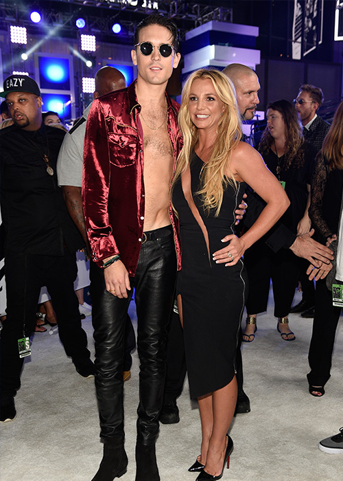 "<div class=""meta image-caption""><div class=""origin-logo origin-image ap""><span>AP</span></div><span class=""caption-text"">G-Eazy, left, and Britney Spears arrive at the MTV Video Music Awards at Madison Square Garden on Sunday, Aug. 28, 2016, in New York. (Chris Pizzello/Invision/AP)</span></div>"