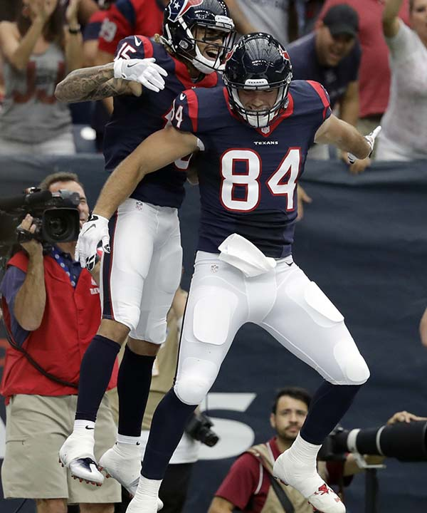 "<div class=""meta image-caption""><div class=""origin-logo origin-image none""><span>none</span></div><span class=""caption-text"">Houston Texans wide receiver Will Fuller (15) celebrates during the first half of an NFL preseason football game (AP Photo/Jeff Roberson) (AP)</span></div>"
