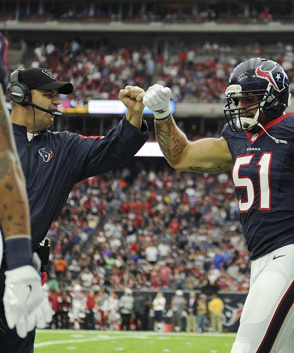 "<div class=""meta image-caption""><div class=""origin-logo origin-image none""><span>none</span></div><span class=""caption-text"">Houston Texans head coach Bill O'Brien, left, celebrates with outside linebacker John Simon (51) during the second half of an NFL preseason game (AP Photo/Eric Christian Smith) (AP)</span></div>"