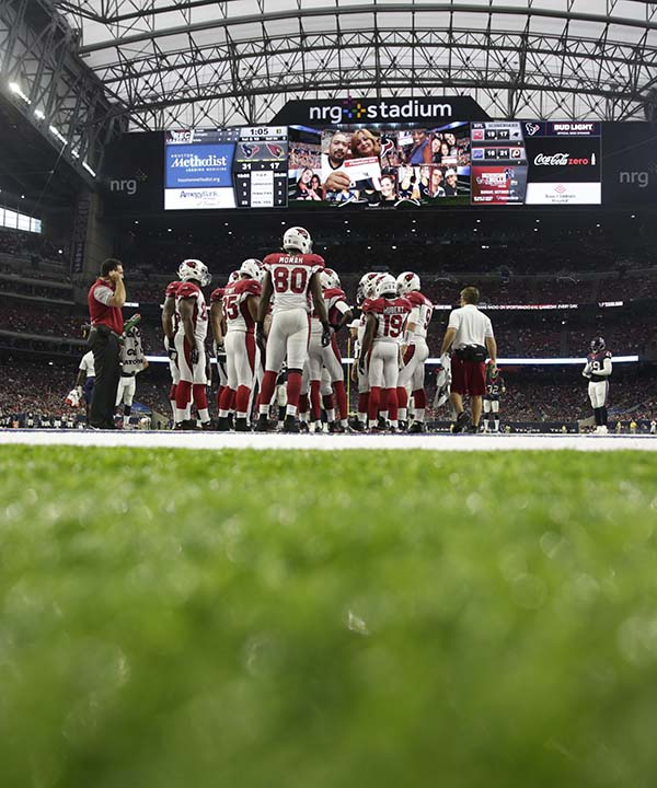 "<div class=""meta image-caption""><div class=""origin-logo origin-image none""><span>none</span></div><span class=""caption-text"">Arizona Cardinals players line up in NRG stadium during the second half of an NFL preseason football game against the Houston Texans (AP Photo/Jeff Roberson) (AP)</span></div>"