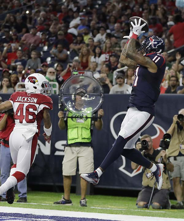 "<div class=""meta image-caption""><div class=""origin-logo origin-image none""><span>none</span></div><span class=""caption-text"">Houston Texans wide receiver Jaelen Strong (11) pulls in a catch for a touchdown in front of Arizona Cardinals defensive back Asa Jackson (46) (AP Photo/Jeff Roberson) (AP)</span></div>"