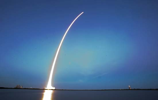 "<div class=""meta image-caption""><div class=""origin-logo origin-image ap""><span>AP</span></div><span class=""caption-text"">A Falcon 9 SpaceX rocket lifts off from Launch Complex 40 at the Cape Canaveral Air Force Station in Cape Canaveral, Fla. (AP Photo/John Raoux)</span></div>"