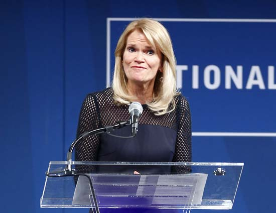 "<div class=""meta image-caption""><div class=""origin-logo origin-image ap""><span>AP</span></div><span class=""caption-text"">The second presidential debate will be co-hosted by ABC News chief Martha Raddatz and CNN anchor Anderson Cooper (AP Photo/Matt Rourke)</span></div>"