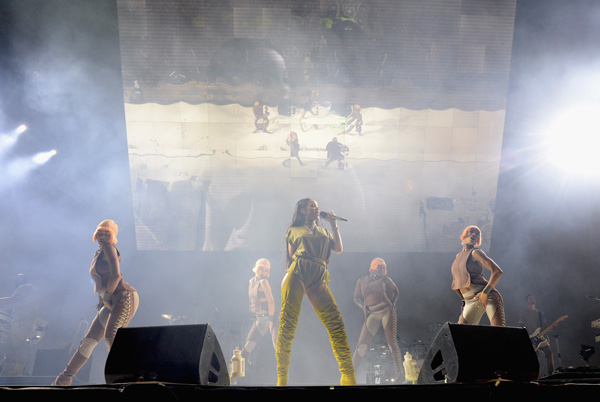 "<div class=""meta image-caption""><div class=""origin-logo origin-image wpvi""><span>WPVI</span></div><span class=""caption-text"">Rihanna performs onstage during the 2016 Budweiser Made in America Festival at Benjamin Franklin Parkway on September 3, 2016 in Philadelphia, Pennsylvania. 1. (Photo by Kevin Mazur/Getty Images for Anheuser-Busch)</span></div>"
