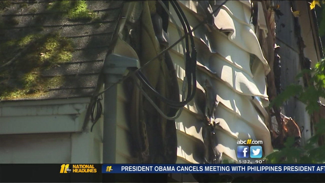 Husband unable to save wife, 3 dogs in fire