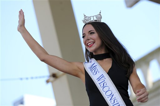 "<div class=""meta image-caption""><div class=""origin-logo origin-image none""><span>none</span></div><span class=""caption-text"">Miss Wisconsin, Courtney Pelot waves as she is introduced during Miss America Pageant arrival ceremonies Tuesday, Aug. 30, 2016, in Atlantic City (AP)</span></div>"