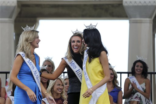 "<div class=""meta image-caption""><div class=""origin-logo origin-image none""><span>none</span></div><span class=""caption-text"">Miss Alabama, Hayley Barber, Miss Illinois, Jaryn Franklin and Miss Hawaii, Allison Carol Nanea Chu  Tuesday, Aug. 30, 2016, in Atlantic City. (AP)</span></div>"