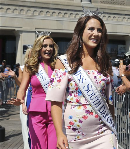 "<div class=""meta image-caption""><div class=""origin-logo origin-image none""><span>none</span></div><span class=""caption-text"">Miss South Dakota, Julia Olson is introduced during Miss America Pageant arrival ceremonies Tuesday, Aug. 30, 2016, in Atlantic City. (AP)</span></div>"