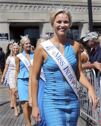 "<div class=""meta image-caption""><div class=""origin-logo origin-image none""><span>none</span></div><span class=""caption-text"">Miss Indiana, Brianna DeCamp is introduced during Miss America Pageant arrival ceremonies Tuesday, Aug. 30, 2016, in Atlantic City. (AP)</span></div>"