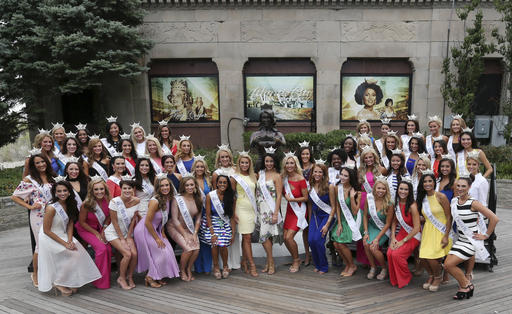"<div class=""meta image-caption""><div class=""origin-logo origin-image none""><span>none</span></div><span class=""caption-text"">The contestants pose for a group photograph during Miss America Pageant arrival ceremonies Tuesday, Aug. 30, 2016, in Atlantic City. (AP)</span></div>"