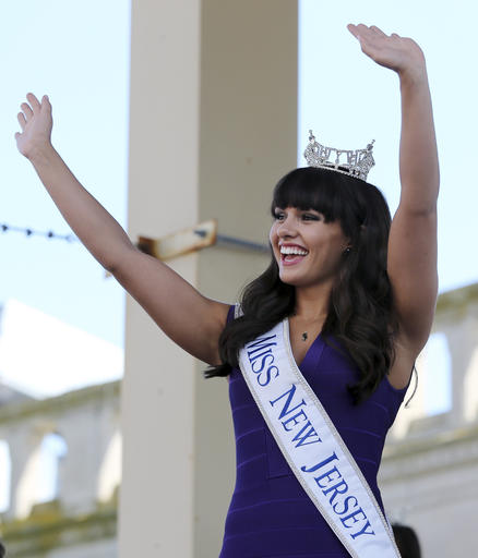 """<div class=""""meta image-caption""""><div class=""""origin-logo origin-image none""""><span>none</span></div><span class=""""caption-text"""">Miss New Jersey, Brenna Weick waves as she is introduced during Miss America Pageant arrival ceremonies Tuesday, Aug. 30, 2016, in Atlantic City. (AP)</span></div>"""