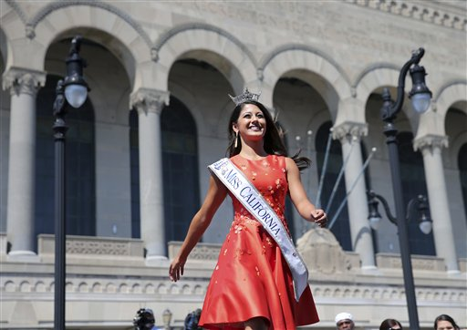 """<div class=""""meta image-caption""""><div class=""""origin-logo origin-image none""""><span>none</span></div><span class=""""caption-text"""">Miss California, Jessa Carmack is introduced during Miss America Pageant arrival ceremonies Tuesday, Aug. 30, 2016, in Atlantic City. (AP)</span></div>"""