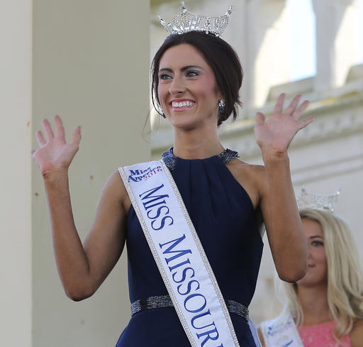 """<div class=""""meta image-caption""""><div class=""""origin-logo origin-image none""""><span>none</span></div><span class=""""caption-text"""">In this Tuesday, Aug. 30, 2016 hoto, Miss Missouri, Erin O'Flaherty waves as she is introduced during Miss America Pageant arrival ceremonies in Atlantic City. (AP)</span></div>"""