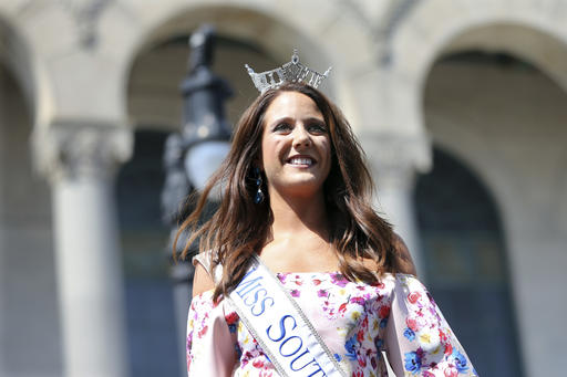 """<div class=""""meta image-caption""""><div class=""""origin-logo origin-image none""""><span>none</span></div><span class=""""caption-text"""">In this Tuesday, Aug. 30, 2016 photograph, Miss South Dakota, Julia Olson is introduced during Miss America Pageant arrival ceremonies in Atlantic City. (AP)</span></div>"""