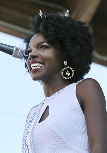 """<div class=""""meta image-caption""""><div class=""""origin-logo origin-image none""""><span>none</span></div><span class=""""caption-text"""">In this Tuesday, Aug. 30, 2016 photograph, Miss District of Columbia, Cierra Jackson is introduced during Miss America Pageant arrival ceremonies in Atlantic City. (AP)</span></div>"""