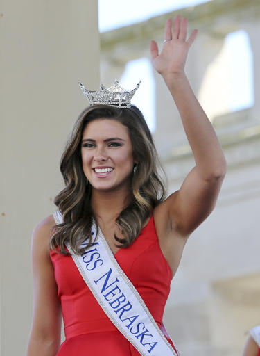 "<div class=""meta image-caption""><div class=""origin-logo origin-image none""><span>none</span></div><span class=""caption-text"">In this Tuesday, Aug. 30, 2016 photograph, Miss Nebraska, Aleah Peters waves as she is introduced during Miss America Pageant arrival ceremonies in Atlantic City. (AP)</span></div>"