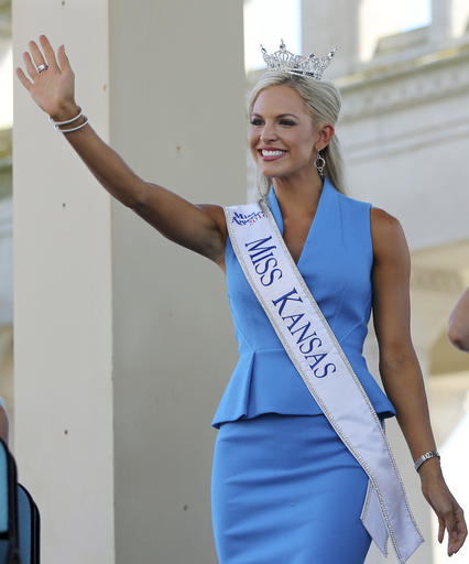 """<div class=""""meta image-caption""""><div class=""""origin-logo origin-image none""""><span>none</span></div><span class=""""caption-text"""">In this Tuesday, Aug. 30, 2016 photograph, Miss Kansas, Kendall Ellen Schoenekase waves as she is introduced during Miss America Pageant arrival ceremonies in Atlantic City. (AP)</span></div>"""