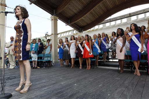 """<div class=""""meta image-caption""""><div class=""""origin-logo origin-image none""""><span>none</span></div><span class=""""caption-text"""">Miss America 2016 Betty Cantrell sings the National Anthem during Miss America Pageant arrival ceremonies Tuesday, Aug. 30, 2016, in Atlantic City. (AP Photo/Mel Evans) (AP)</span></div>"""